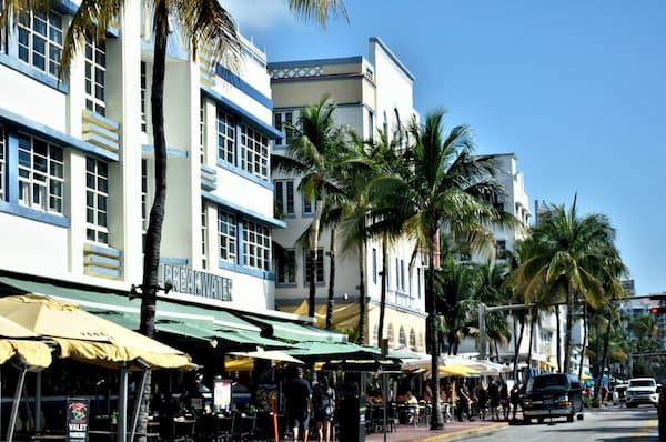 Những tòa nhà ở Art Deco Historic District